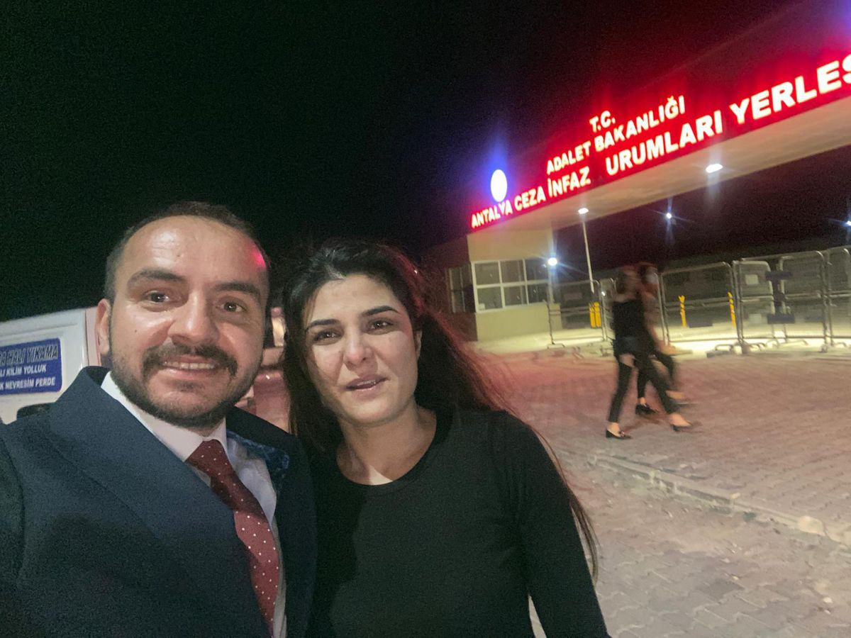 Antalya da işkenceci eşini öldüren Melek İpek serbest bırakıldı #4