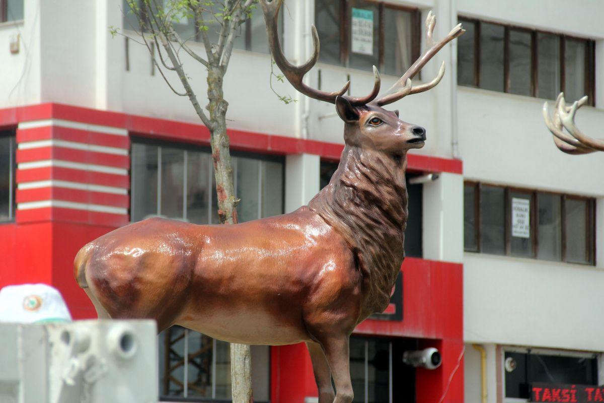 Bolu da geyik heykelleri meydana konuldu #2