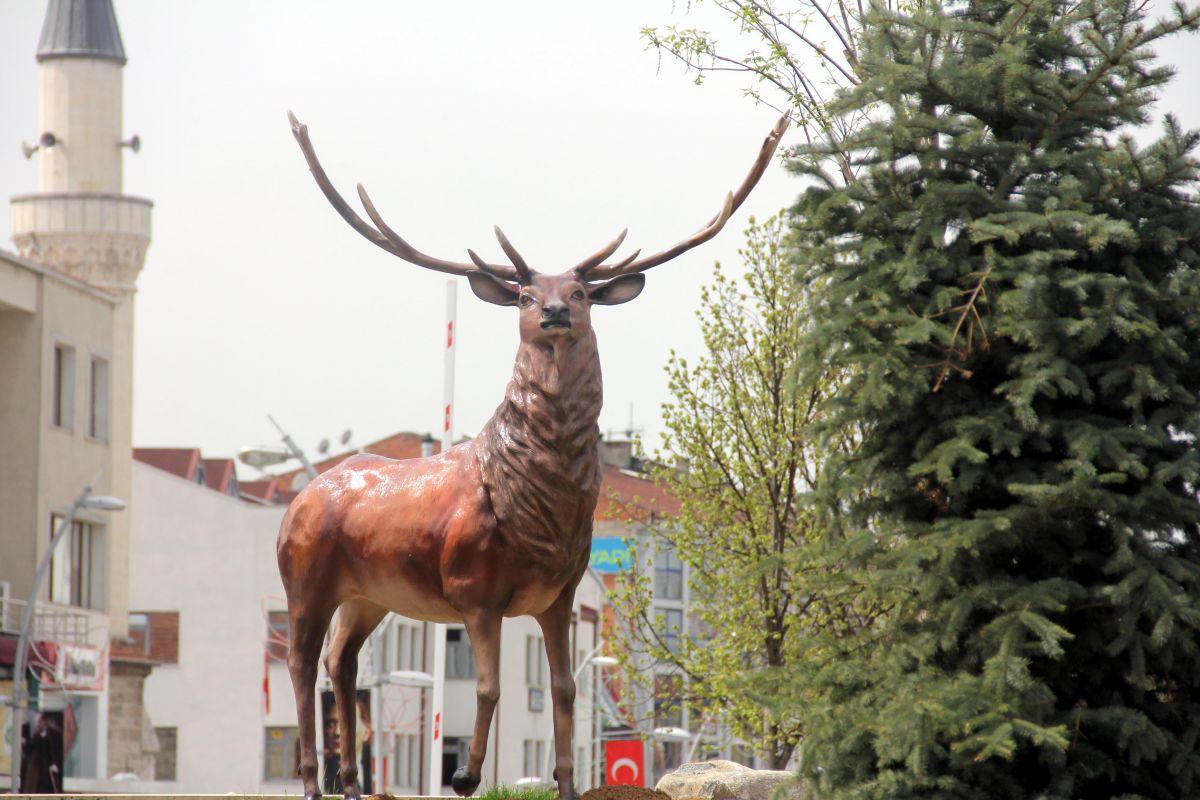 Bolu da geyik heykelleri meydana konuldu #3