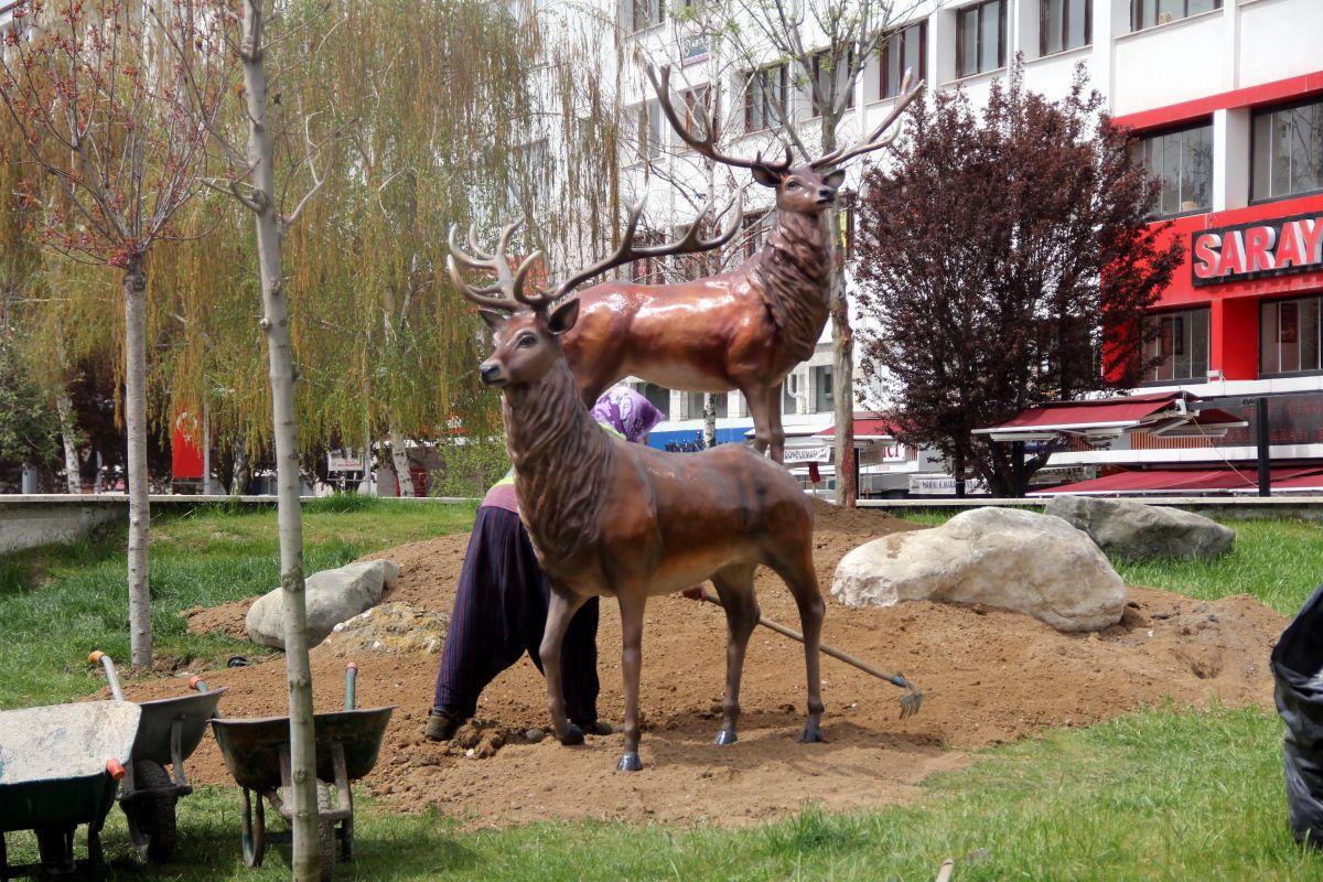 Bolu da geyik heykelleri meydana konuldu #5