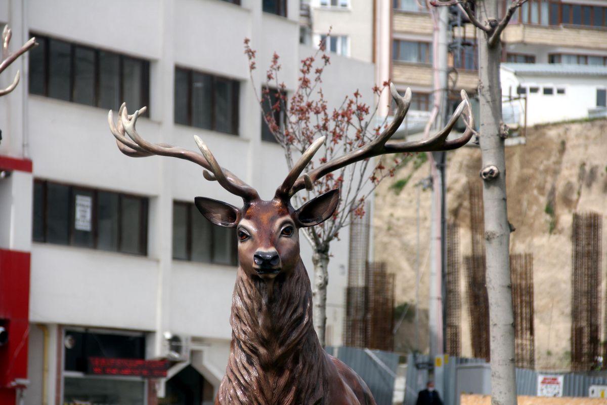 Bolu da geyik heykelleri meydana konuldu #1