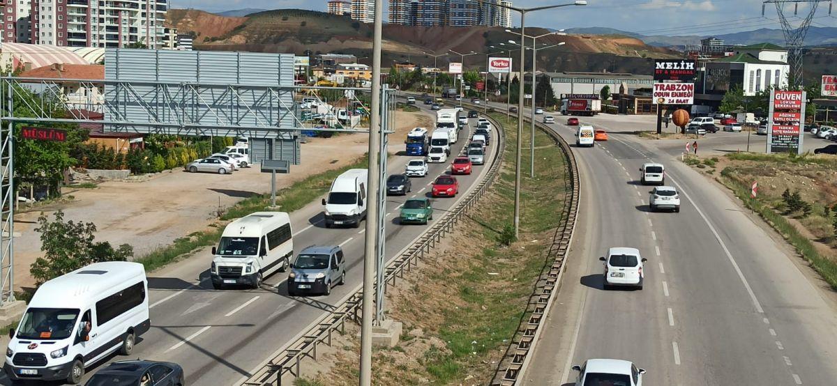 43 ilin geçiş noktası Kırıkkale de araç yoğunluğu #2