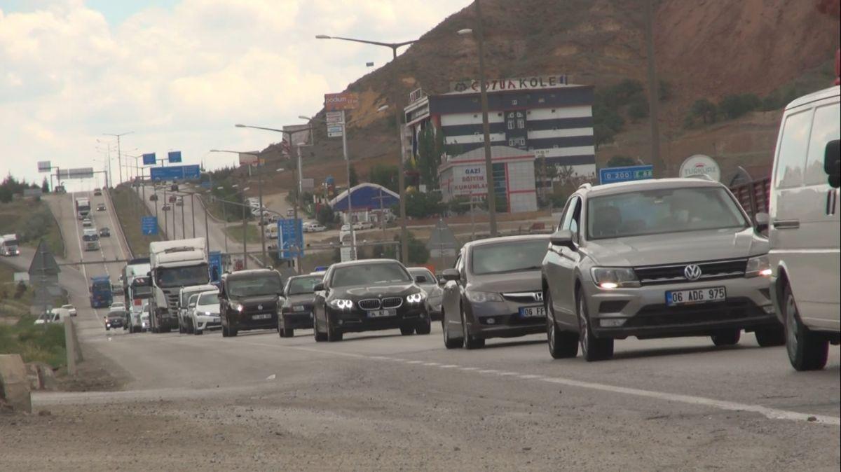 43 ilin geçiş noktası Kırıkkale de araç yoğunluğu #1