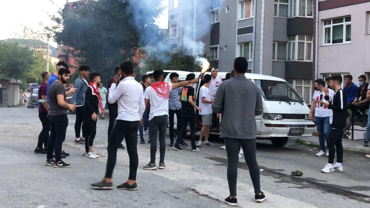 Zonguldak ta maske ve sosyal mesafesiz asker uğurlaması #2