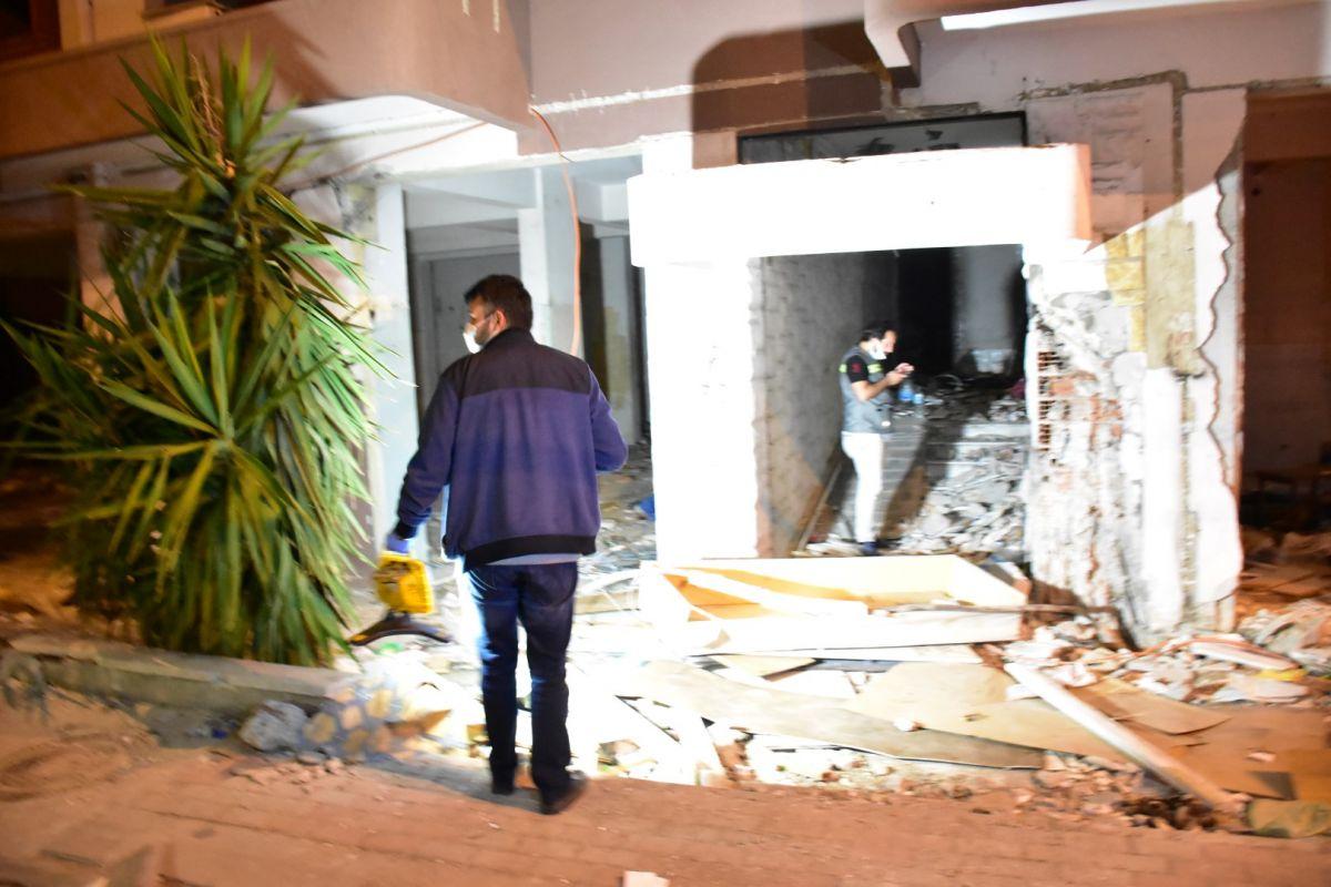 İzmir de kablo çalmak isteyen şahıs elektrik çarpması sonucu hayatını kaybetti #7