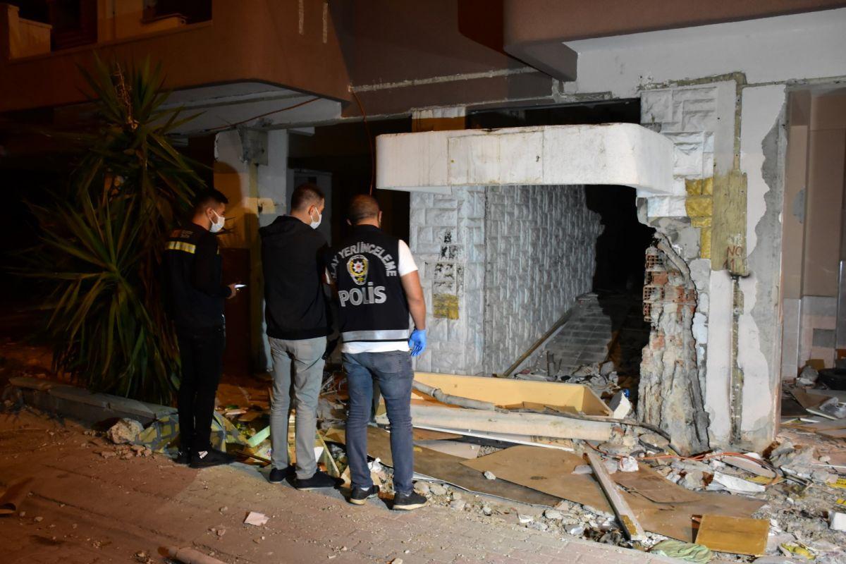 İzmir de kablo çalmak isteyen şahıs elektrik çarpması sonucu hayatını kaybetti #4