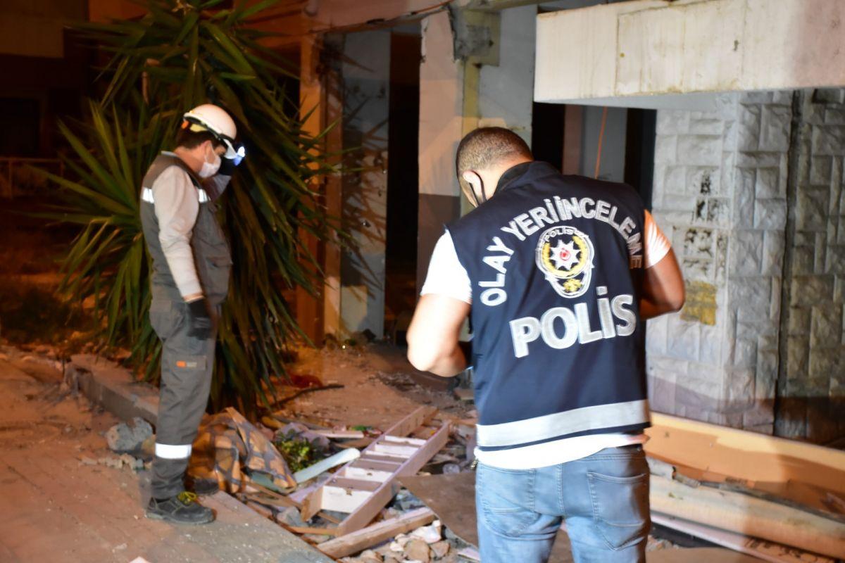 İzmir de kablo çalmak isteyen şahıs elektrik çarpması sonucu hayatını kaybetti #2