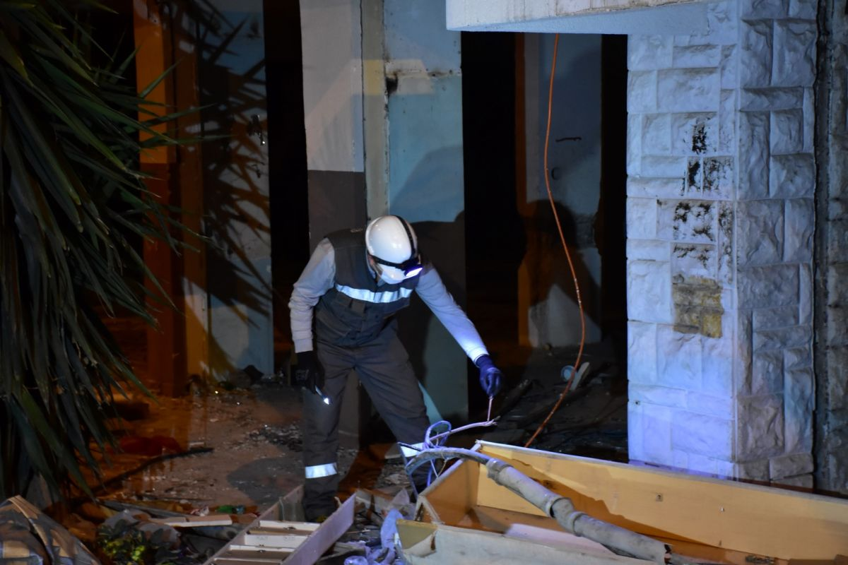 İzmir de kablo çalmak isteyen şahıs elektrik çarpması sonucu hayatını kaybetti #1