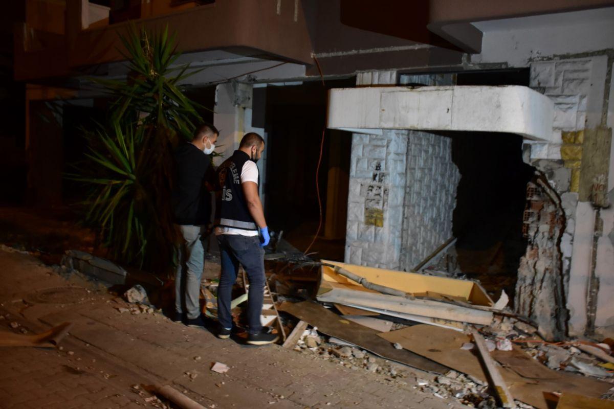 İzmir de kablo çalmak isteyen şahıs elektrik çarpması sonucu hayatını kaybetti #5