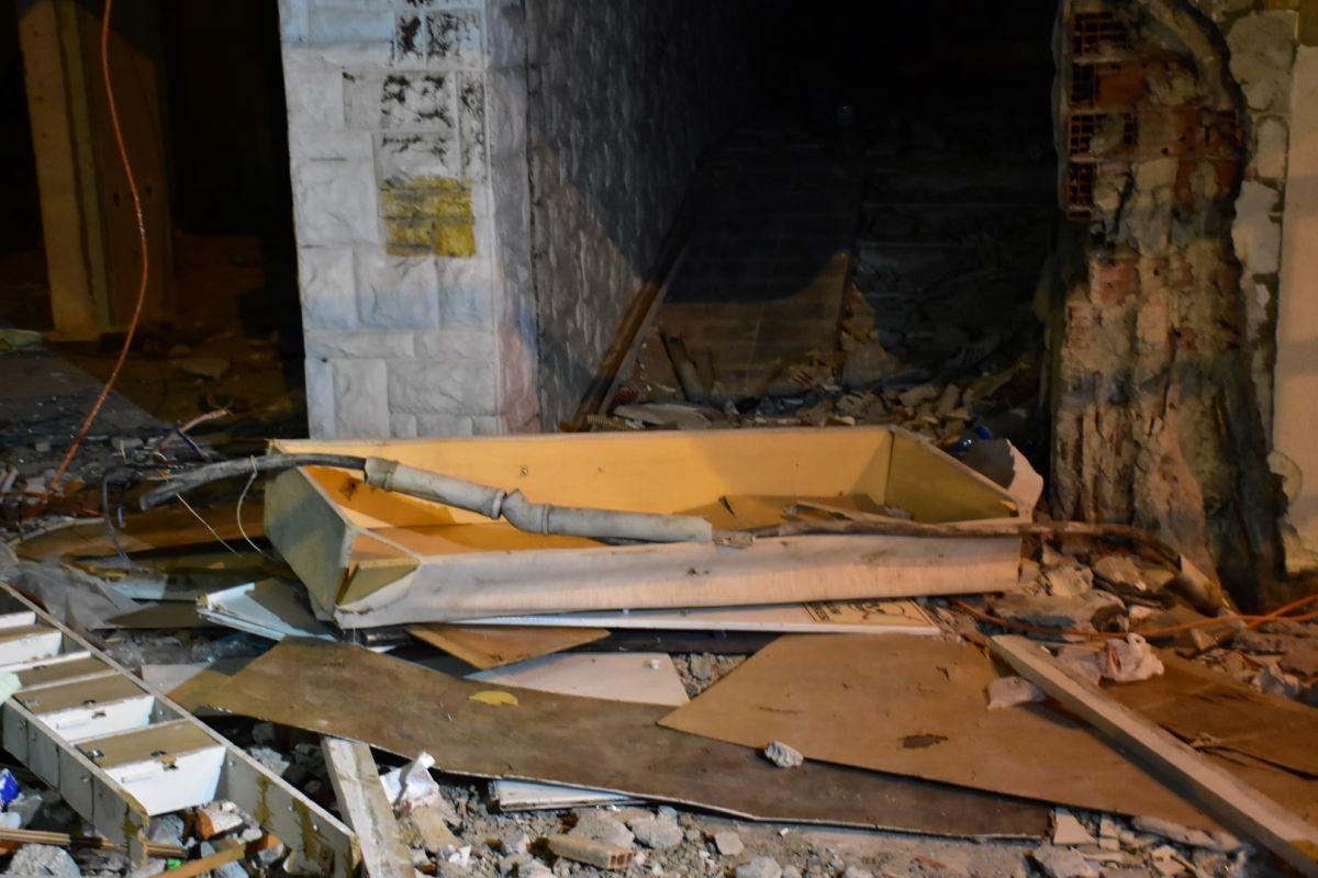 İzmir de kablo çalmak isteyen şahıs elektrik çarpması sonucu hayatını kaybetti #6