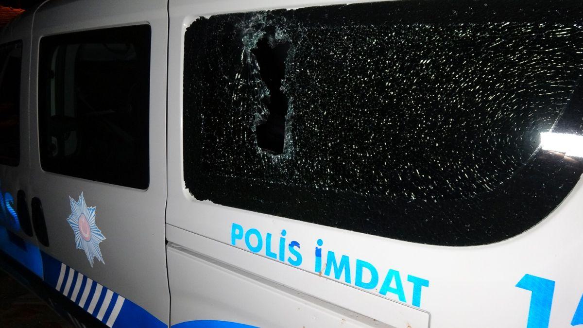 Edirne de ihbara giden polis aracına kiremitle saldırıldı #1