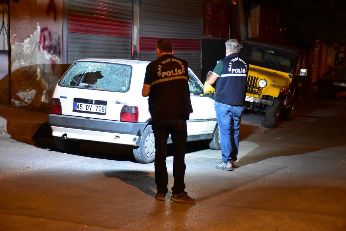 İzmir de bekçi, ağabeyini darp eden kişiyi tabanca ile vurdu #8
