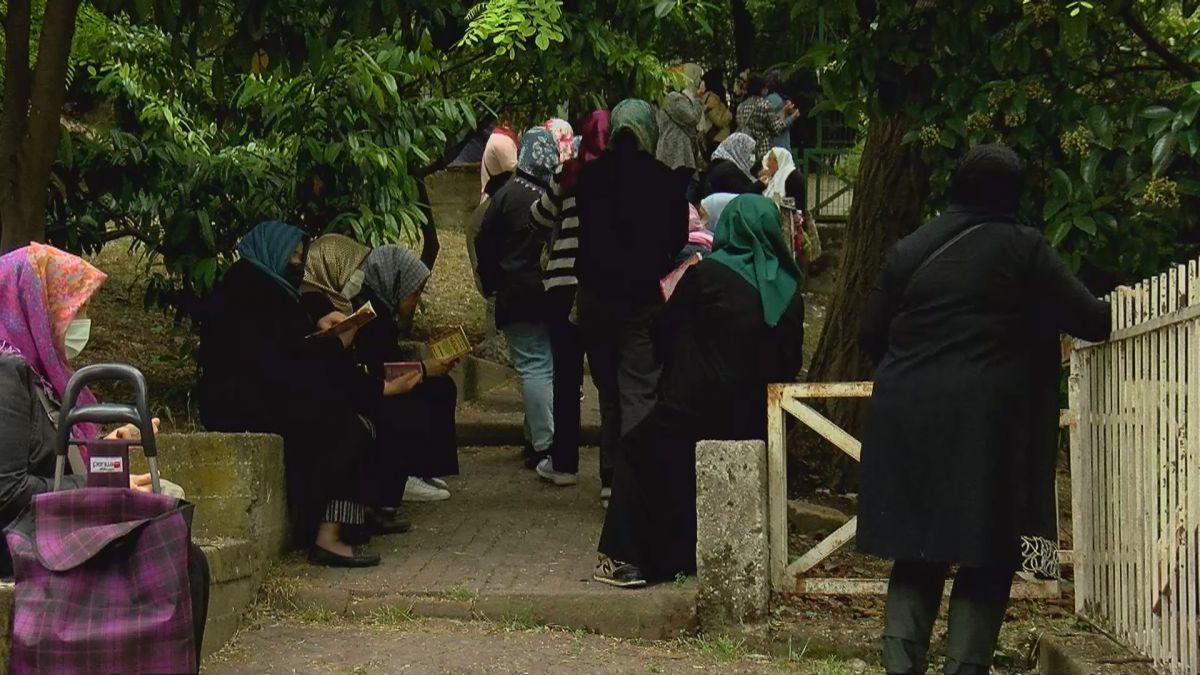 İstanbul da LGS öncesi Zuhuratbaba Türbesi ne akın ettiler #3