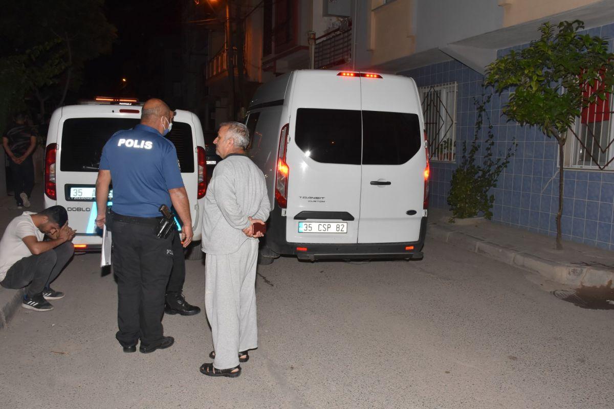 İzmir de bekçi, ağabeyini darp eden kişiyi tabanca ile vurdu #1