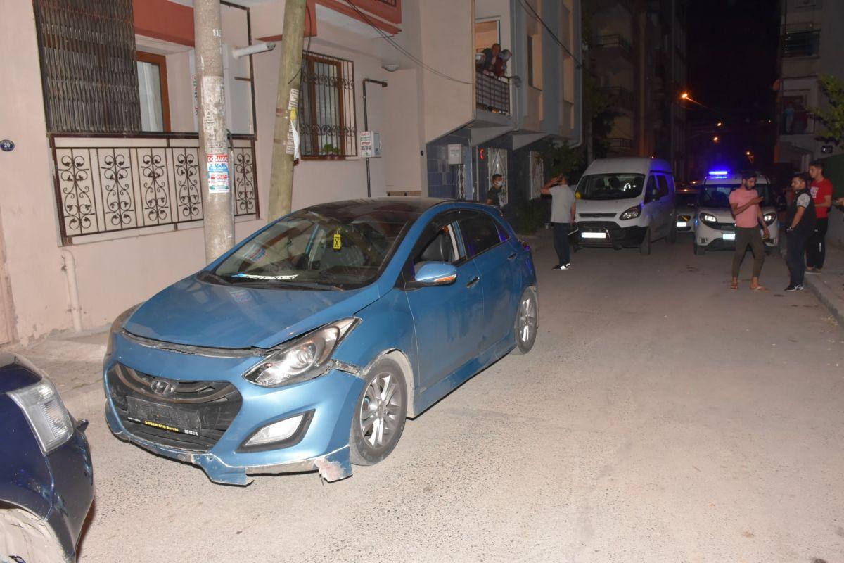 İzmir de bekçi, ağabeyini darp eden kişiyi tabanca ile vurdu #7