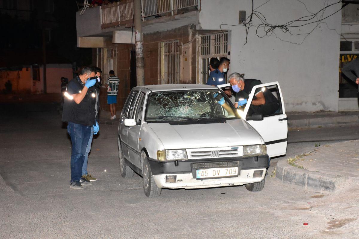 İzmir de bekçi, ağabeyini darp eden kişiyi tabanca ile vurdu #10