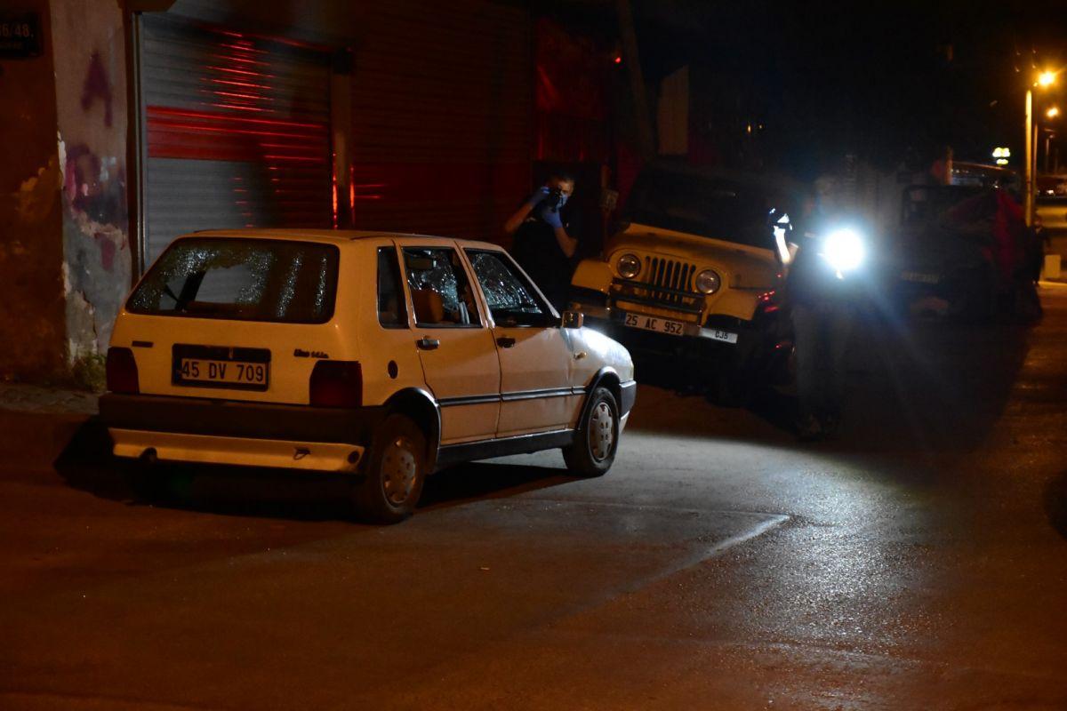 İzmir de bekçi, ağabeyini darp eden kişiyi tabanca ile vurdu #9
