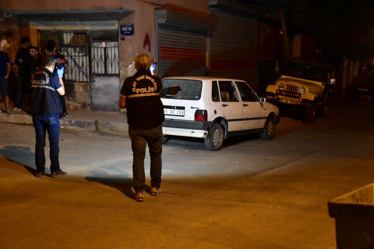 İzmir de bekçi, ağabeyini darp eden kişiyi tabanca ile vurdu #2