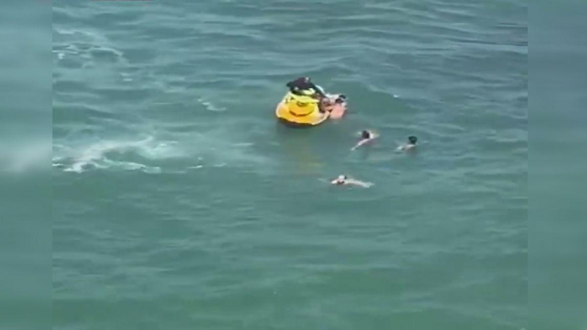 Şile de boğulma tehlikesi geçiren 5 kişiyi itfaiye kurtardı #4