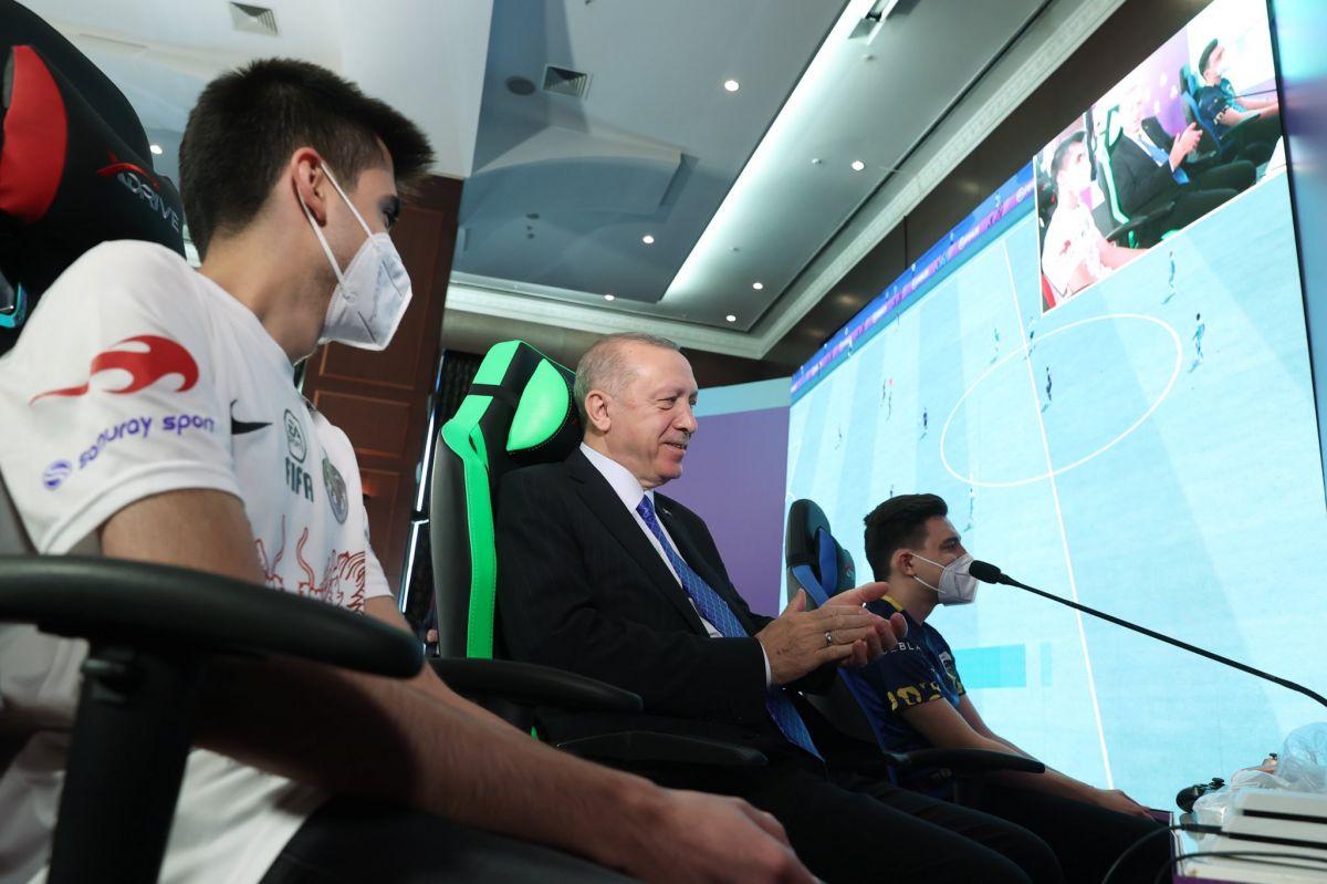 Cumhurbaşkanı Erdoğan, e-spor ödül törenine katıldı #2