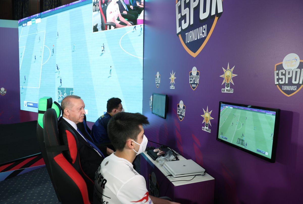 Cumhurbaşkanı Erdoğan, e-spor ödül törenine katıldı #3