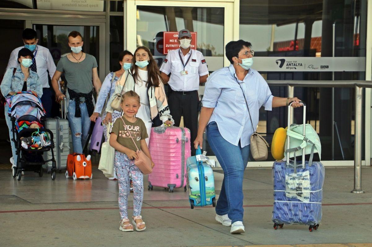 Antalya'ya günlük gelen turist sayısında vaka düşüşü etkisi #3