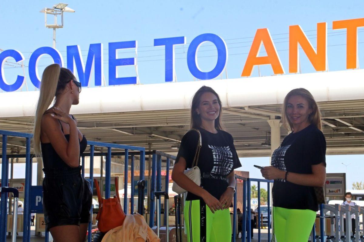 Antalya'ya günlük gelen turist sayısında vaka düşüşü etkisi #2