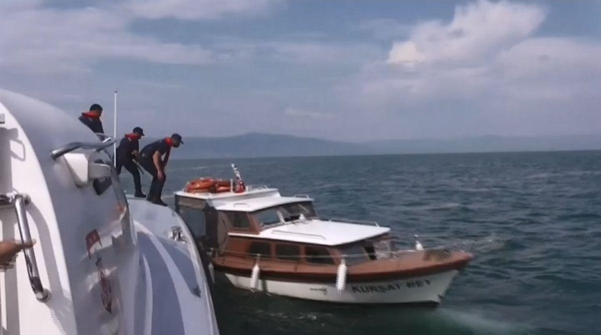 Marmara Denizi ndemüsilaj istilasındaki sularda can pazarı yaşandı #10