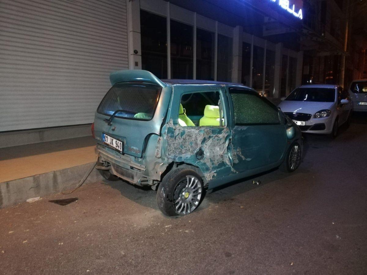 İzmir'de işçi servisi mobilya mağazasına daldı: 12 yaralı #5