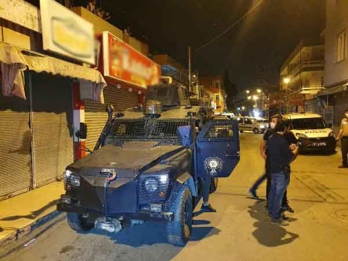 Adana da 3 kardeş bekçilere ateş açıp kaçtı #6