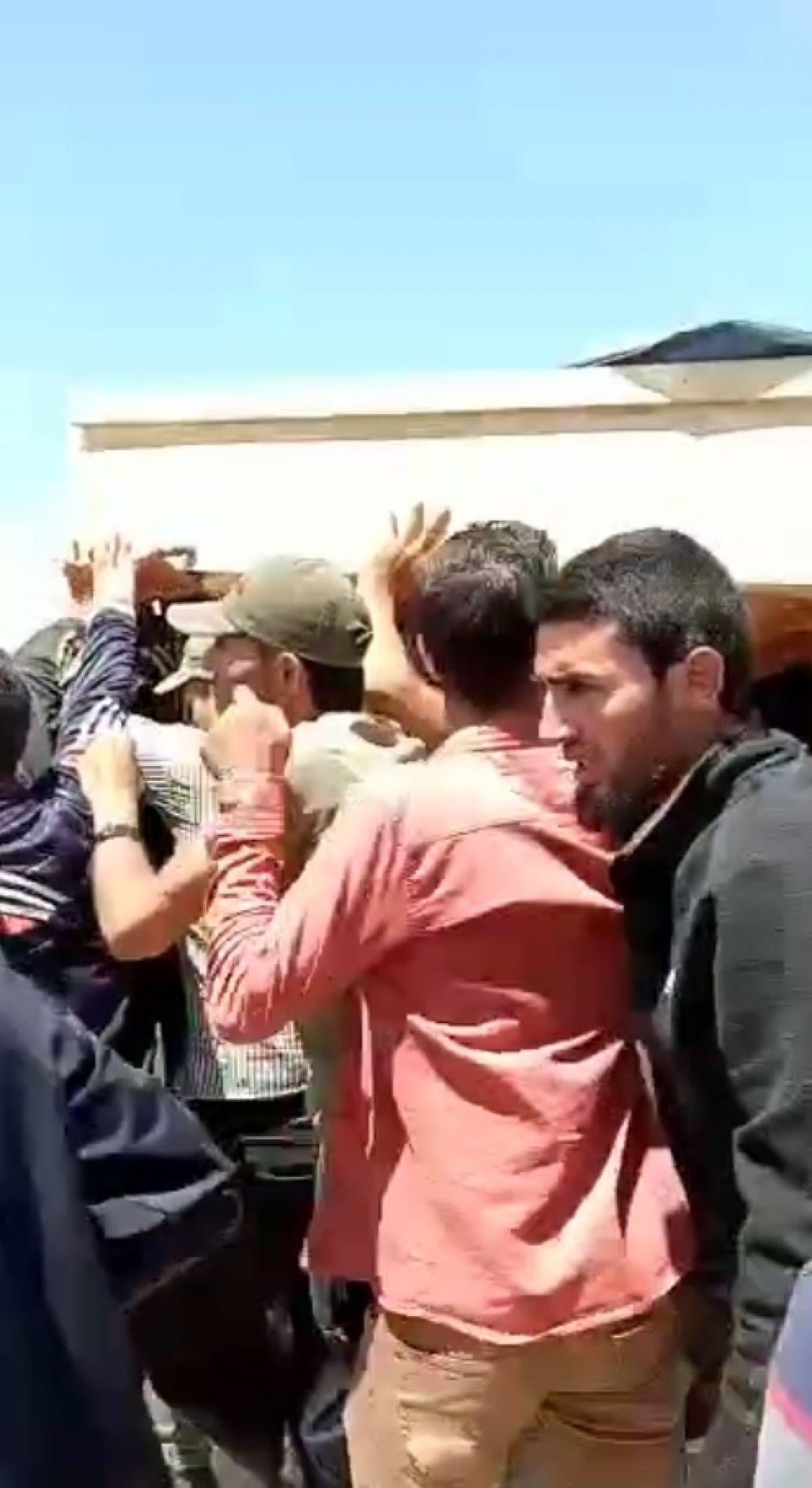 Afrin de terör saldırısıyla hayatını kaybeden 13 sivil toprağa verildi #1