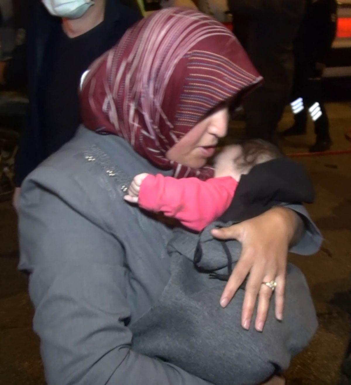 Erzurum da kavşakta kaza: 10 yaralı #5