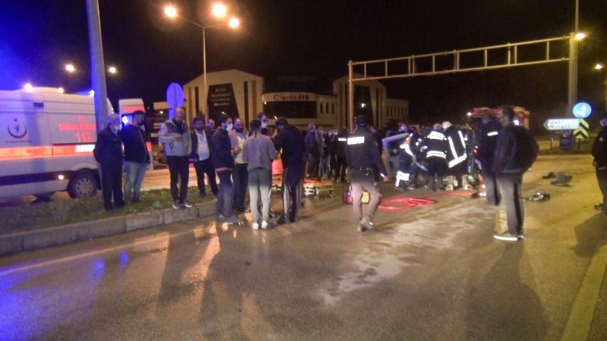Erzurum da kavşakta kaza: 10 yaralı #1