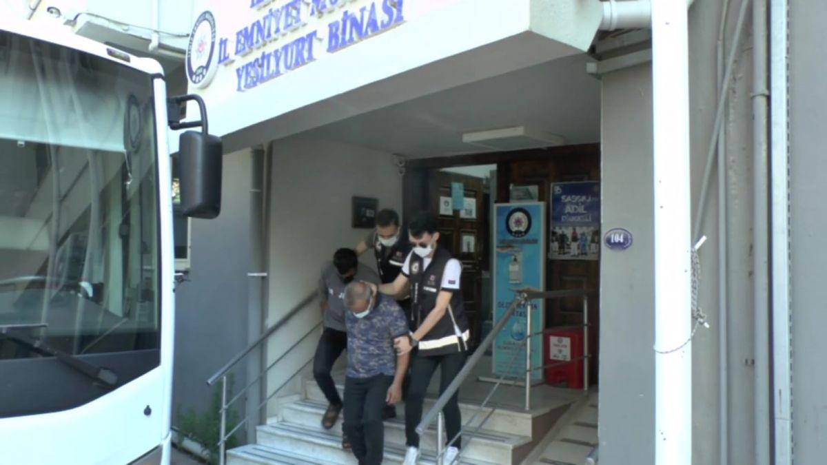 İzmir kaçak silah operasyonu: 11 tutuklama #1