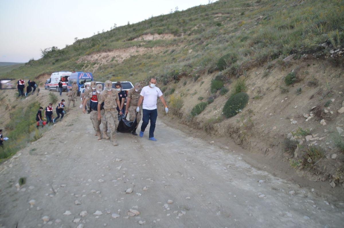 Ağrı da bir haftadır aranan kayıp gencin cesedi baraj kenarında bulundu #2