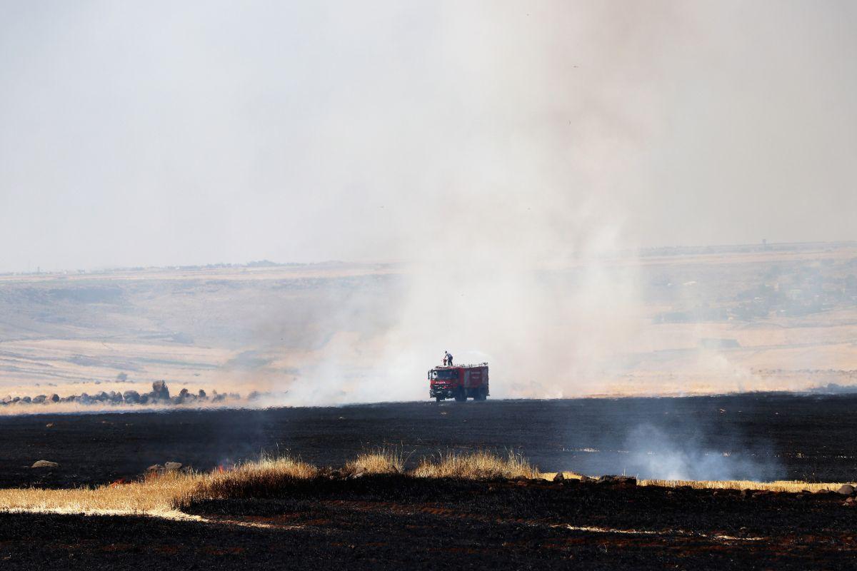 Diyarbakır da havalimanı yakınında anız yangını #2