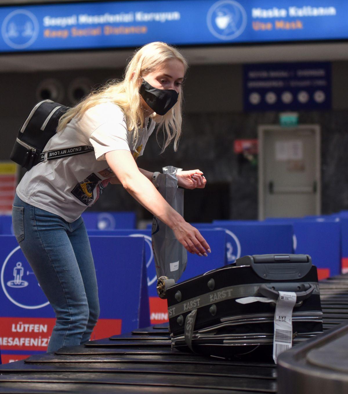 Antalya da Ruslar, hava trafiğini yüzde 45 artırdı #10