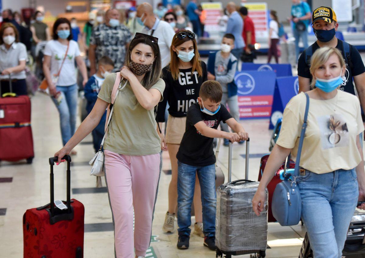 Antalya da Ruslar, hava trafiğini yüzde 45 artırdı #1