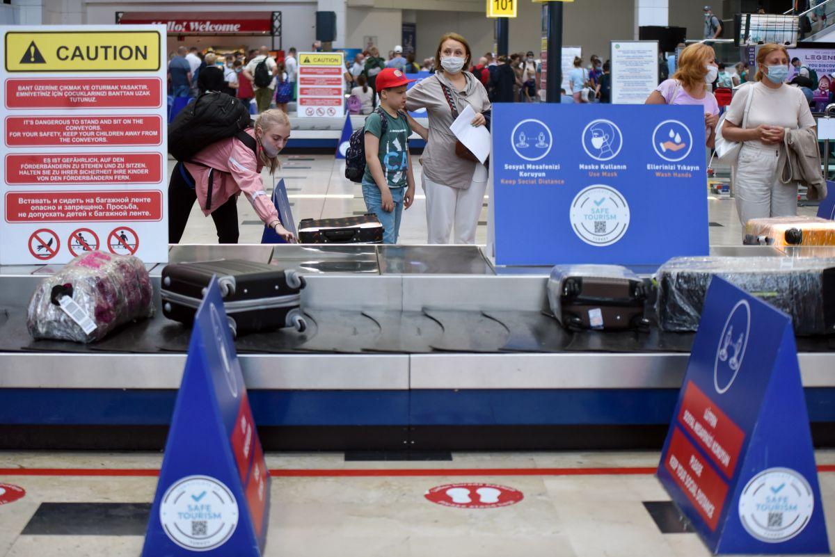 Antalya da Ruslar, hava trafiğini yüzde 45 artırdı #3