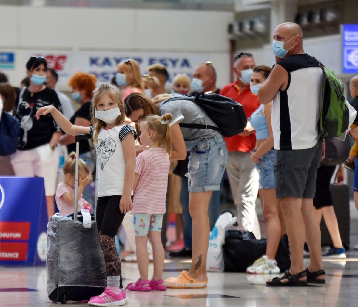 Antalya da Ruslar, hava trafiğini yüzde 45 artırdı #5