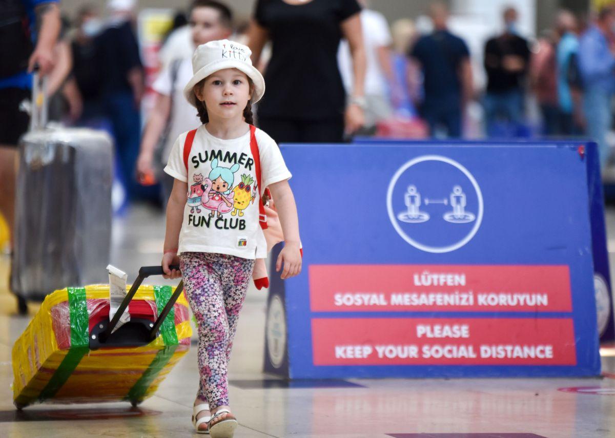 Antalya da Ruslar, hava trafiğini yüzde 45 artırdı #2