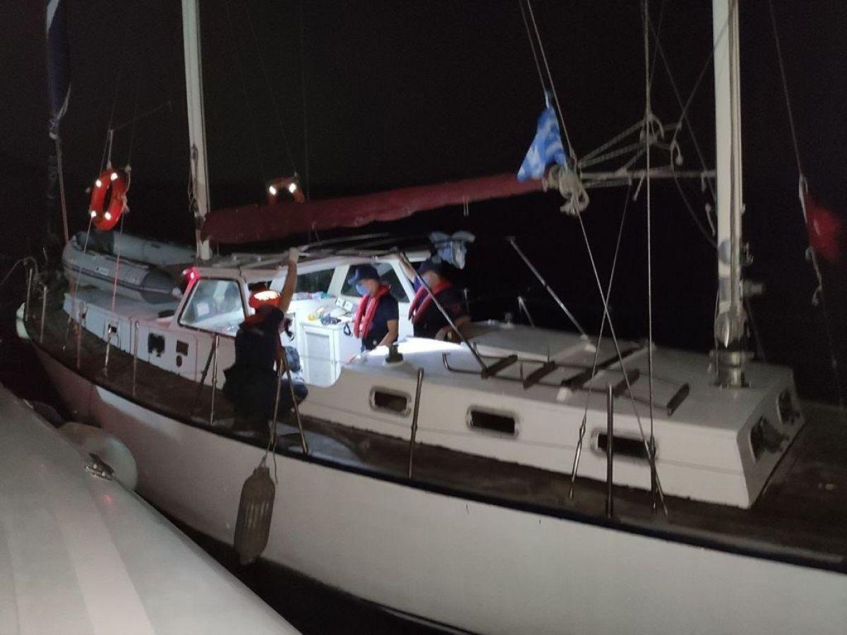 İzmir de 45kaçak göçmen ve 2 göçmen kaçakçısı yakalandı #3