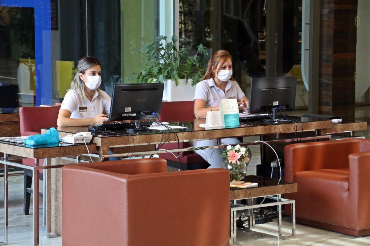 Rus turistler, otellerdeki koronavirüs tedbirlerine hayran kaldı #11