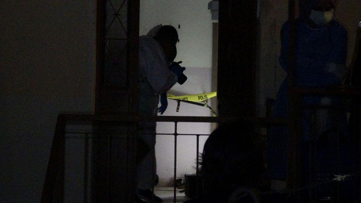 İzmir de annesini öldürüp cesedini çuvalla balkona bıraktı #5