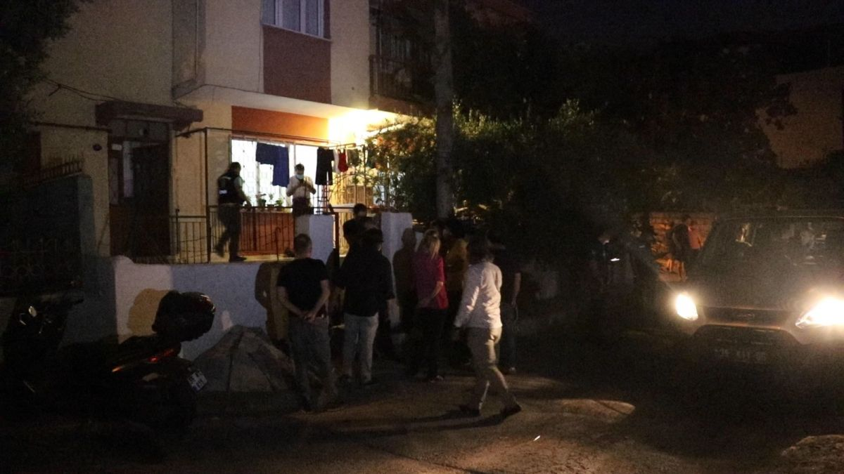 İzmir de annesini öldürüp cesedini çuvalla balkona bıraktı #10