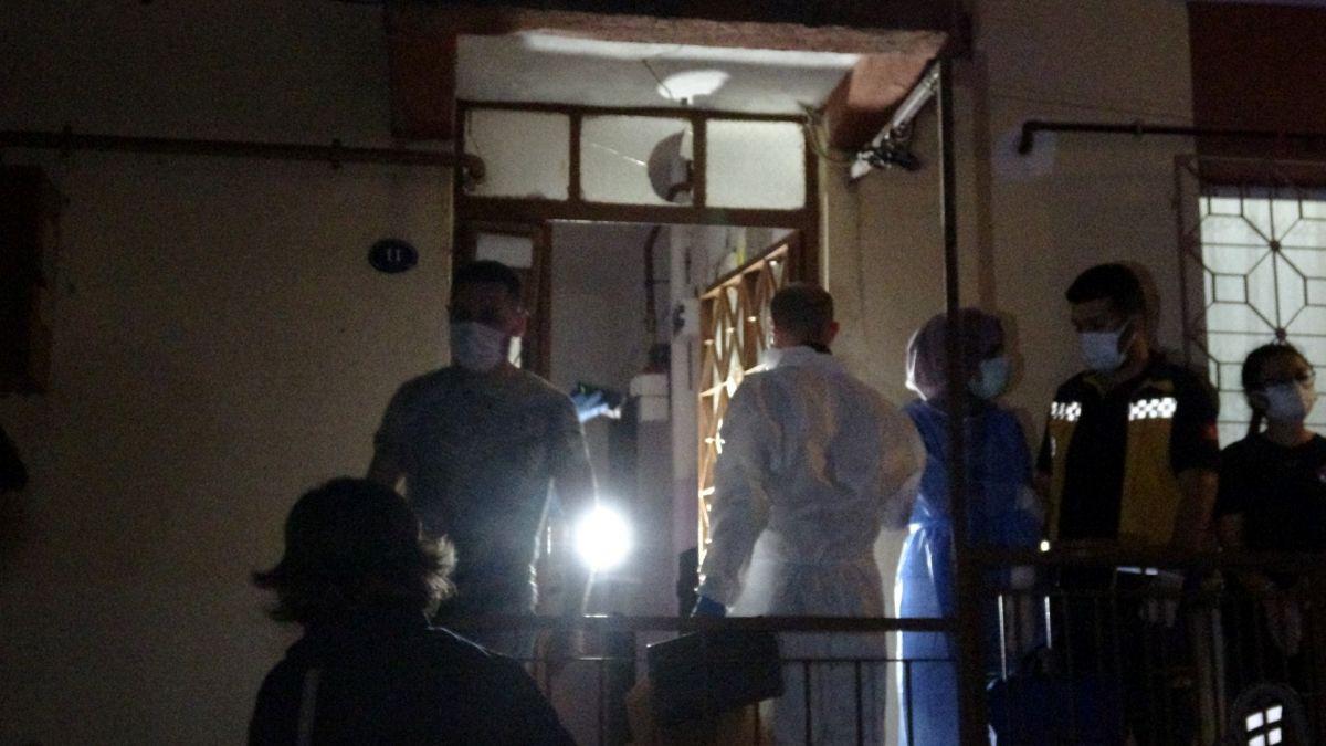 İzmir de annesini öldürüp cesedini çuvalla balkona bıraktı #6