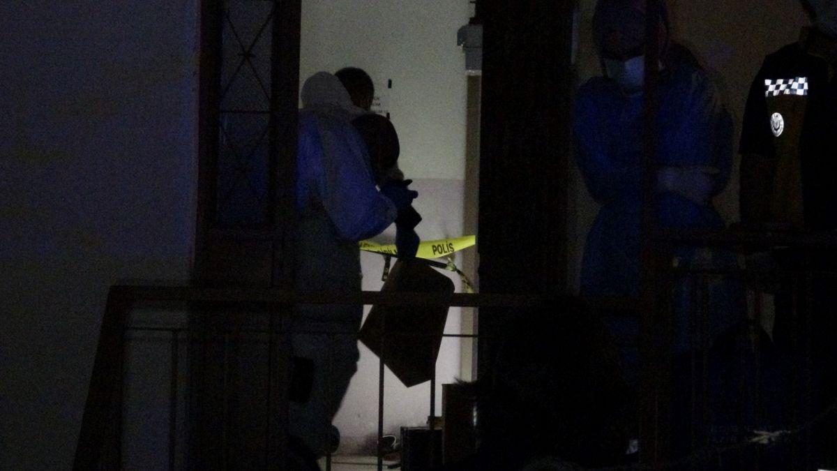 İzmir de annesini öldürüp cesedini çuvalla balkona bıraktı #2