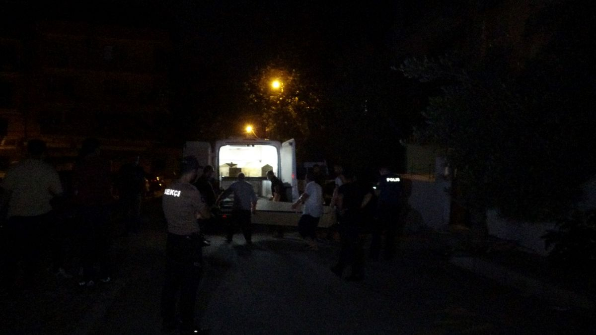 İzmir de annesini öldürüp cesedini çuvalla balkona bıraktı #3