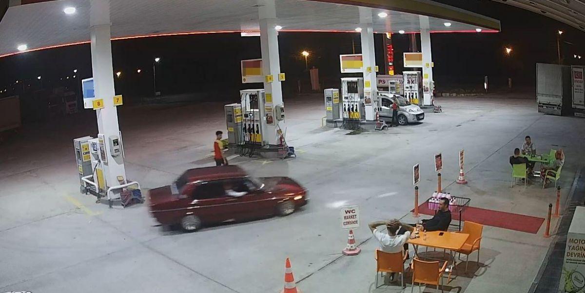 Afyonkarahisar da benzinlikte drift atan maganda #1