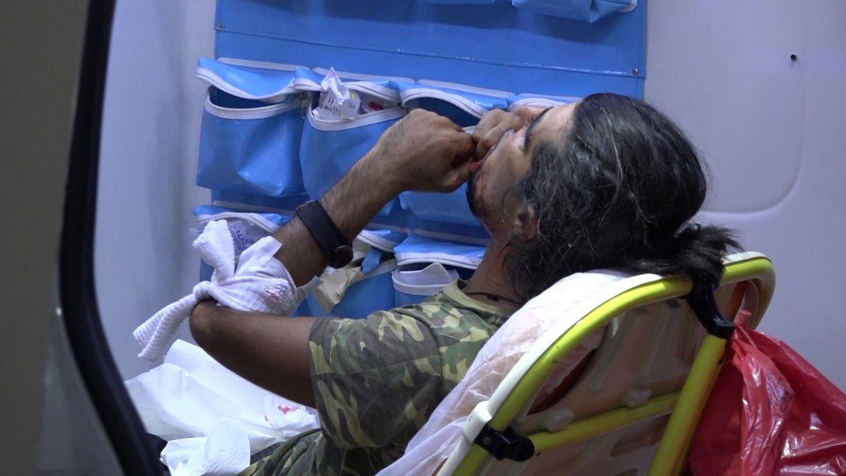 Antalya da denizi kirletme kavgasında 2 kişi falçatayla yaralandı #2